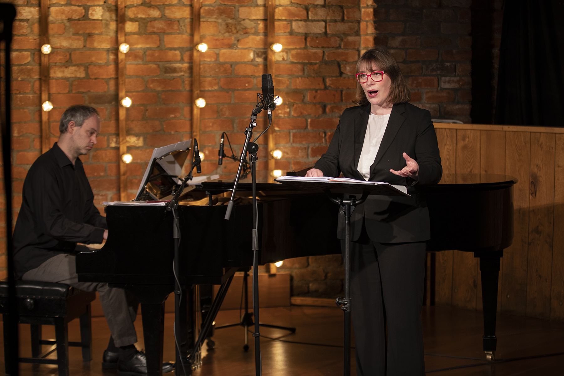 Sundays@Noon Online: Elizabeth Hilliard, soprano and David Bremner, piano